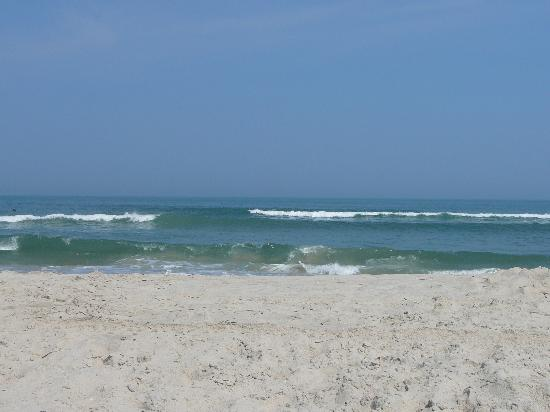 swimming-beach-at-assateague